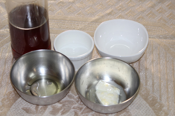 Ingredients for the DIY face mask recipe