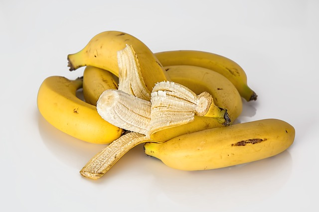 Moisturizing Banana Face Mask Recipe For Radiant Skin (and to cure other ailments)