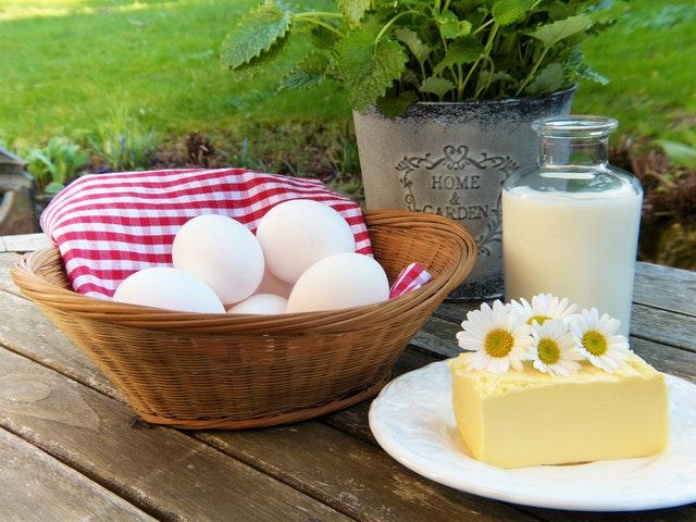Egg and Shampoo
