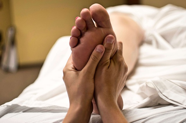 Six Feet Under Massage: Here's How You Can Remove Dead Skin From Your Feet