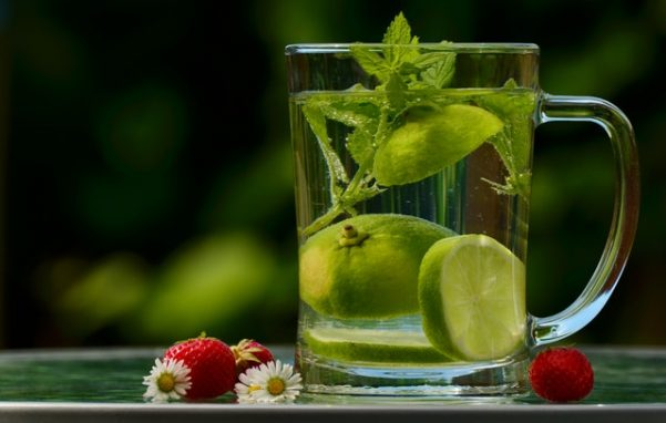 Infused water: The benefits and 10 infused water recipes