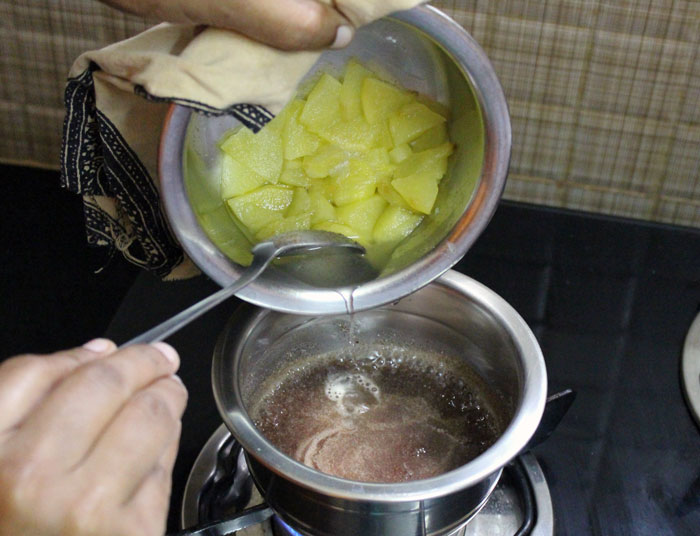 Apple Ragi Halwa Recipe 9