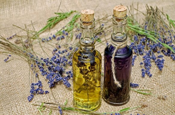20 Ways You Can Use Your Lavender Essential Oil For Wellness