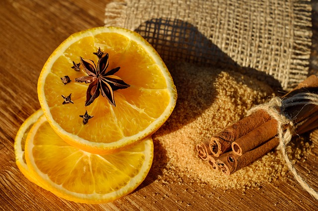 Cinnamon and lemon facial mask
