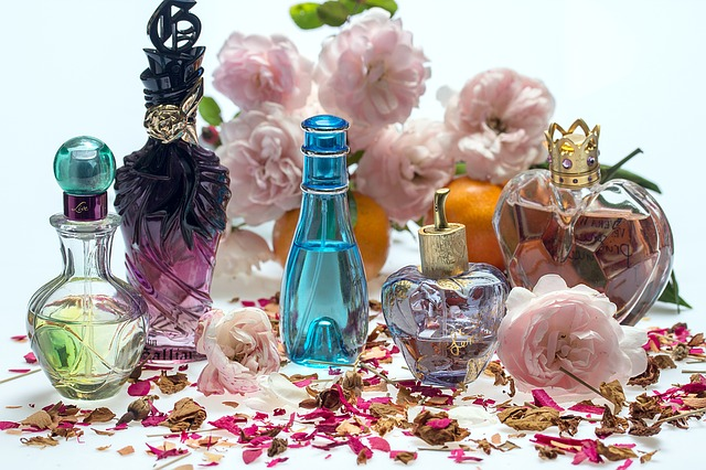 How to avoid problems with perfumes and fragrances
