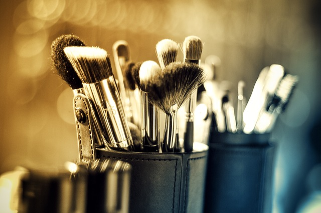 Did you forget those makeup brushes?
